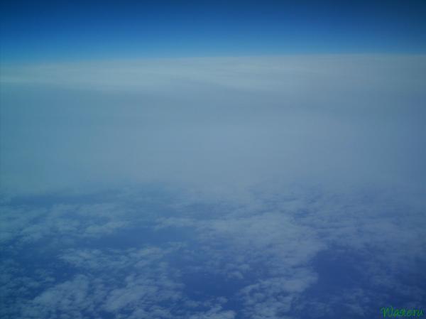 Небо на высоте 9 тысяч метров