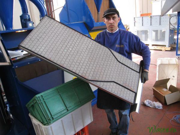 Дека с сеткой для воздушно-вибрационного сепаратора