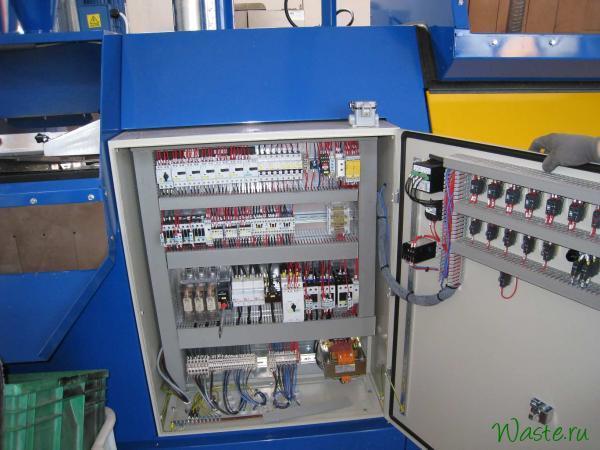 Электрический шкаф управления установкой