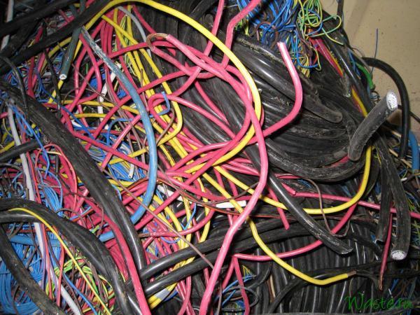 Смешанные отходы силового кабеля и проводов