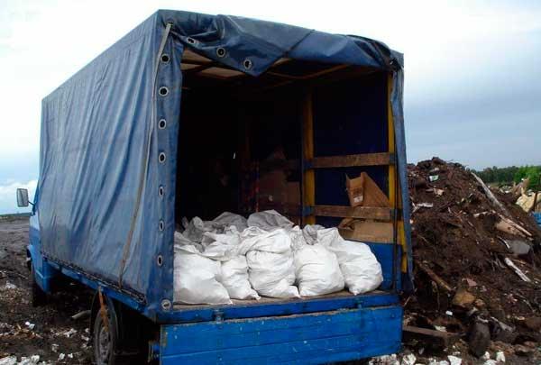 разгрузка отходов от ремонта помещений на свалке