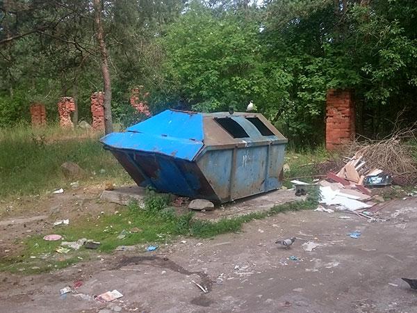 Контейнер ПУХТО на открытой бетонированной площадке в городе Сортавала
